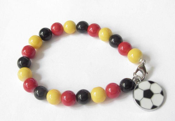 Armbänder - EM Fußball Armband schwarz rot gelb - ein Designerstück von soschoen bei DaWanda