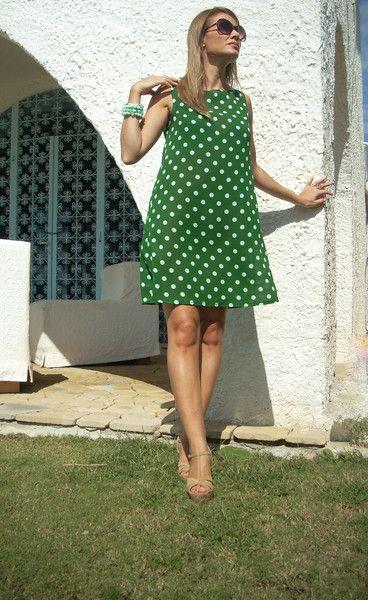 Abito+svasato+smanicato+verde+a+pois+di+MelinaECris+su+DaWanda.com