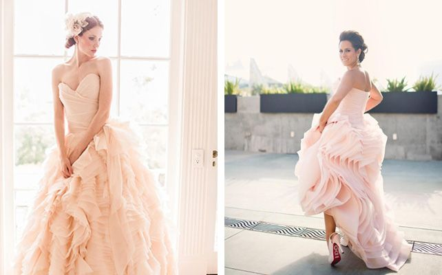 Вдохновение: цветные платья невесты