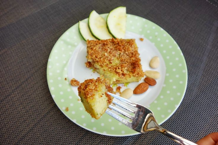 Zucchini almond cake | Food Blog @physalisfruit | Pinterest | Almond ...