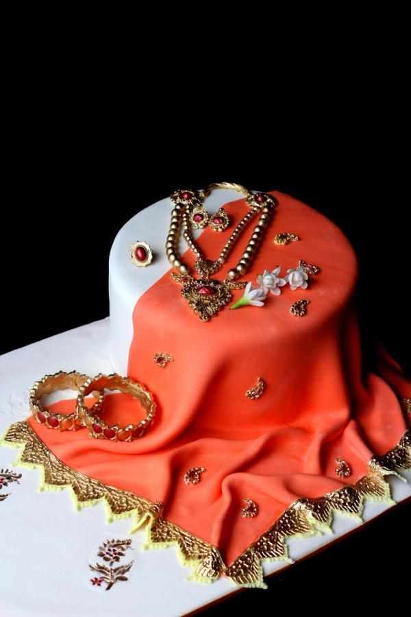 Indian traditional Saree & jewellery cake by Anand ...