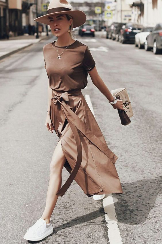 60+ Dress and Sneakers Outfit Street Style Ideas 3 – Gia Ram