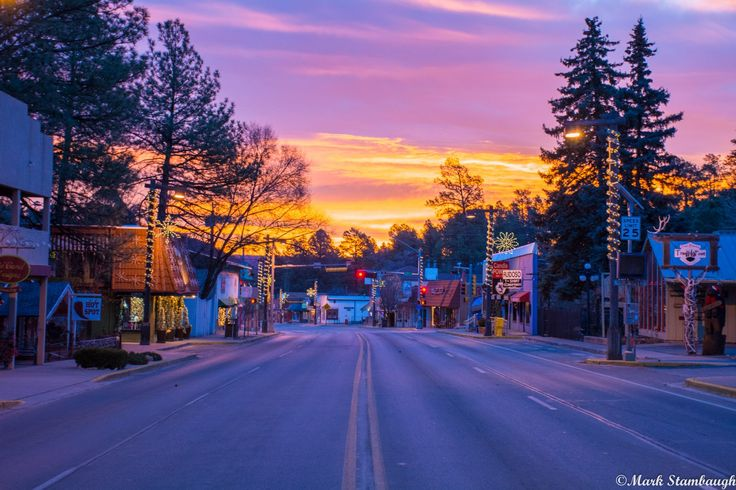 Find a complete list of Cabins in Ruidoso, fun things to do, and area information to make the most of your visit to Ruidoso, New Mexico.