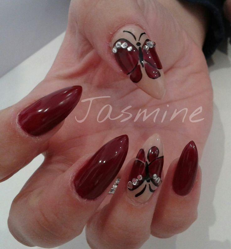 Butterfly nail art. Unghie bordeaux