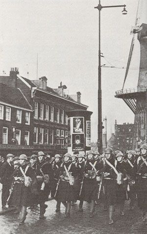utch Marines         On 10 May 1940, the Korpsmariniers (originally formed in 1665 and in action against the English in 1667) was stationed in Rotterdam