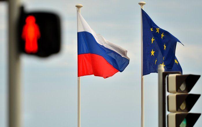 """Österreich tritt für die Aufhebung der antirussischen Sanktionen ein, wenn es einen """"sichtbaren"""" Fortschritt bei der Umsetzung der Minsker Abkommen gibt, sagte der österreichische Außenminister und OSZE-Vorsitzende, Sebastian Kurz, am Mittwoch im Sputnik-Interview."""