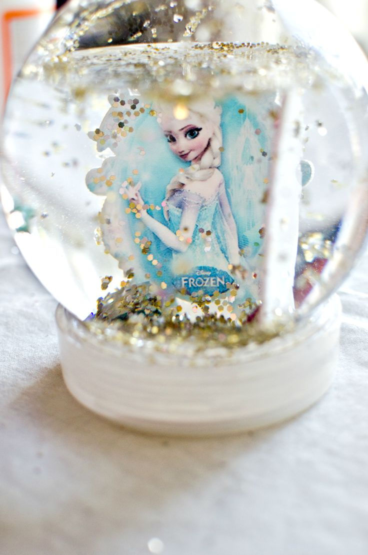 DIY Frozen Snow Globe Tutorial
