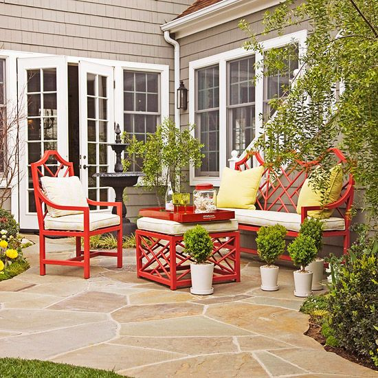 Keep the Color Palette Simple     Keep the outdoor decor and container plantings simple. Having too many accents and different types of plants can make a small space feel disorganized. Select a few colors and accessories and carry the theme from room to room