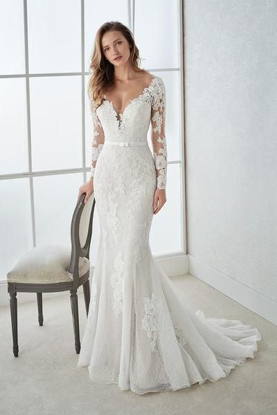 2019 V-Neck Long Sleeves Mermaid Lace Wedding Dresses with Applique and Lace