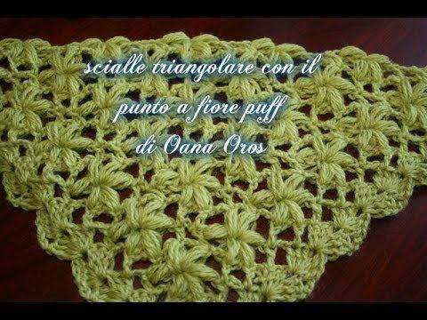 sciarpa o scialle a triangolo con il fiore puff