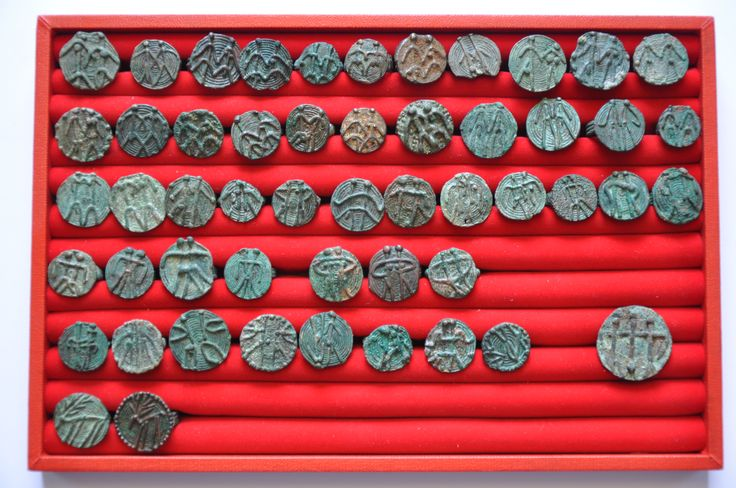 Amlash bronze rings with figurines, 1st millenium B.C. Private collection