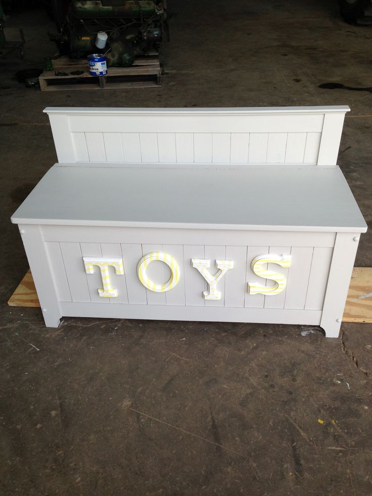DIY toybox. Yes please!!