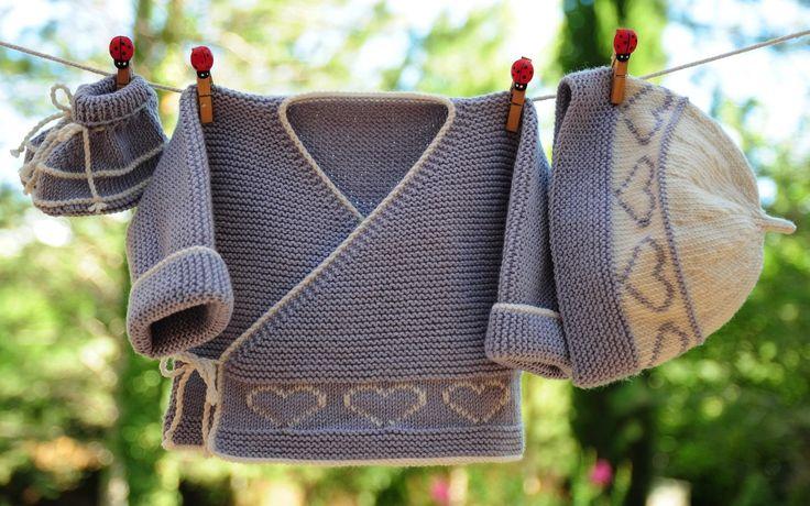 layette ensemble cœur mérinos 1-3 mois neuf tricoté main brassière bonnet et chaussons : Mode Bébé par com3pom