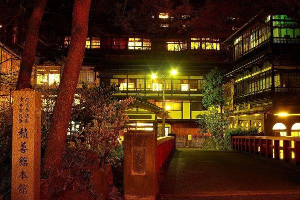 まるであのジブリ映画の世界 群馬の老舗湯宿 積善館 で幻想的なひとときを 観光 旅行ガイド 観光旅行 温泉 旅行ガイド