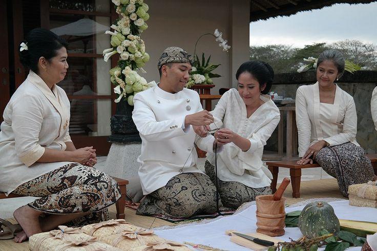 Pernikahan Adat Jawa Nikita dan Ari di Amanusa Bali