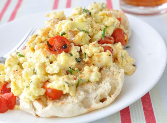 Tuscan-Scrambled-Eggs. Under 200 calories with egg substitute, onions and tomatoes