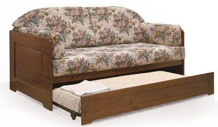 Divano letto rustico con possibilità di scegliere stoffa e colore di finitura. www.arredamentirustici.it