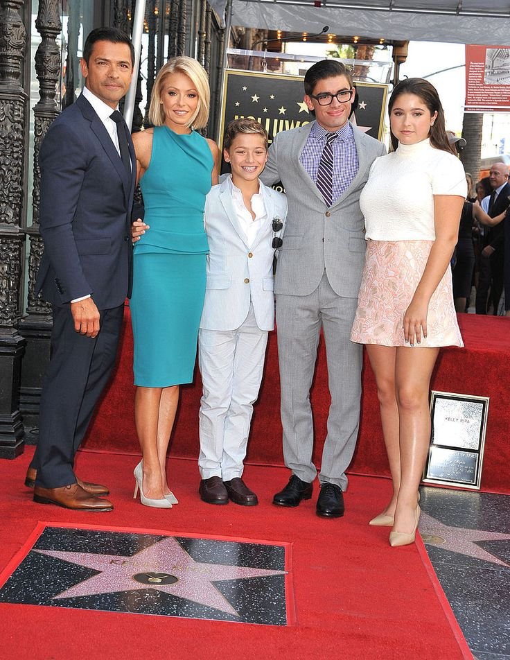 Kelly Ripa's Family Beams With Pride at Her Hollywood Walk of Fame Star Ceremony