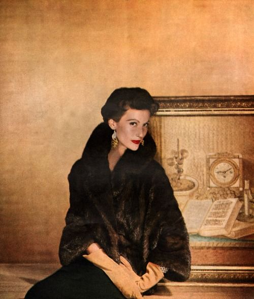Mary Jane Russell for Harper's Bazaar, 1953. Photo by Louise Dahl-Wolfe.
