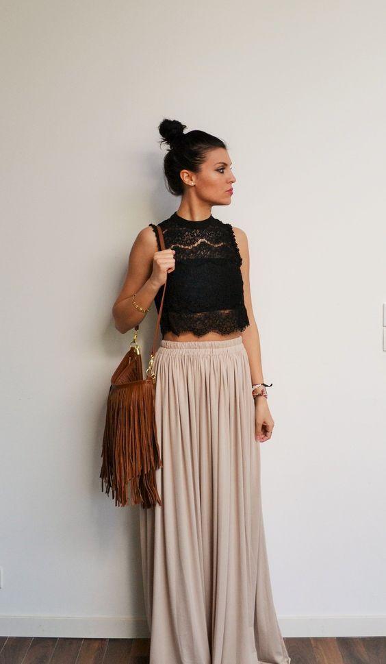 La jupe longue est une pièce forte qui se marie parfaitement avec ...https://one-mum-show.fr/garde-robe-ideale-etape-4-creer-garde-robe