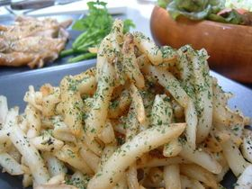 anchovy potato 食べだしたらとまらない!アンチョビポテト (potato, anchovy, parsley)