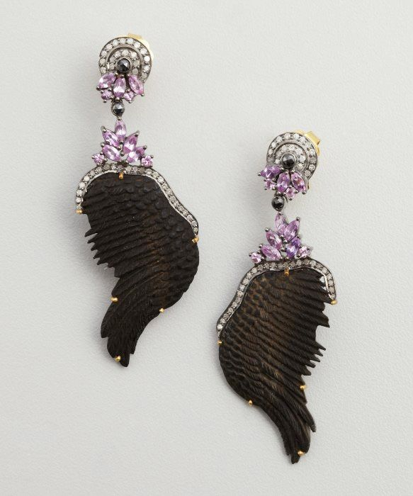 SOCHEEC Black Diamond, Sapphire And Gold Wing Drop Earrings —aretes de diamantes negros