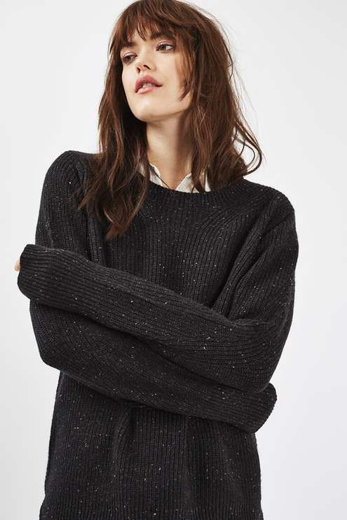 Black crew neck jumper. #Topshop