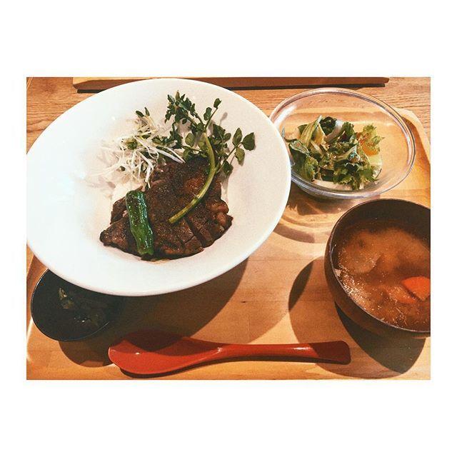 #おぼんdeごはん #和風ステーキ丼 #ステーキ #肉 #美味しかった #stake #beaf #meat #rice #bowl #dinner #delicious #instapic #instaphoto #instafood #instagood #instalike #l4l #스테이크 #덮밥 #디너 #맛있었다 #写真好きな人と繋がりたい