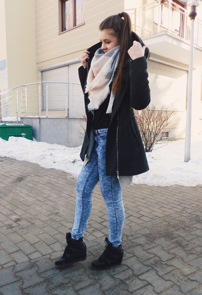 Look by @brofashionkilla with #jeans #black #boots #winter #grey #sweaters #blue #winterlook #sammydress #sinsay #stilipl.