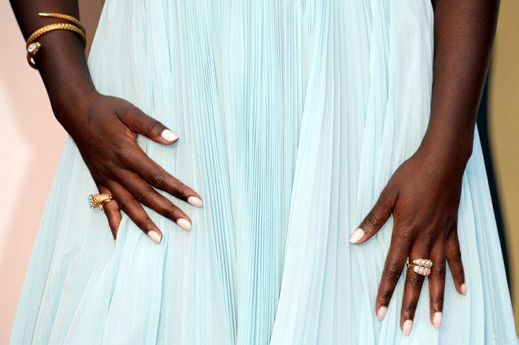 Splendida manicure della sorpresa Oscar2014: Lupita Nyongo