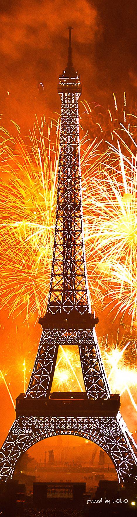 Eiffel Tower...Paris   LOLO❤︎  (image by Yann Caradec via Flickr)