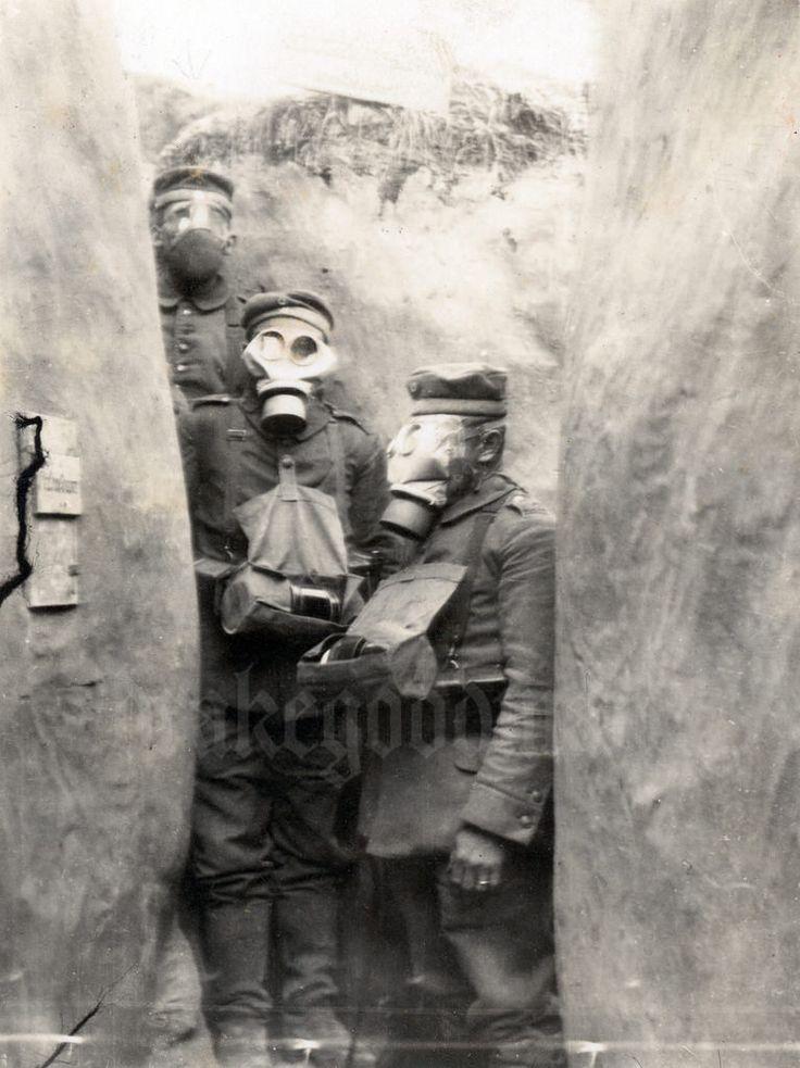 """Saxon infantrymen wearing the M.1915 model """"Gummimaske"""""""