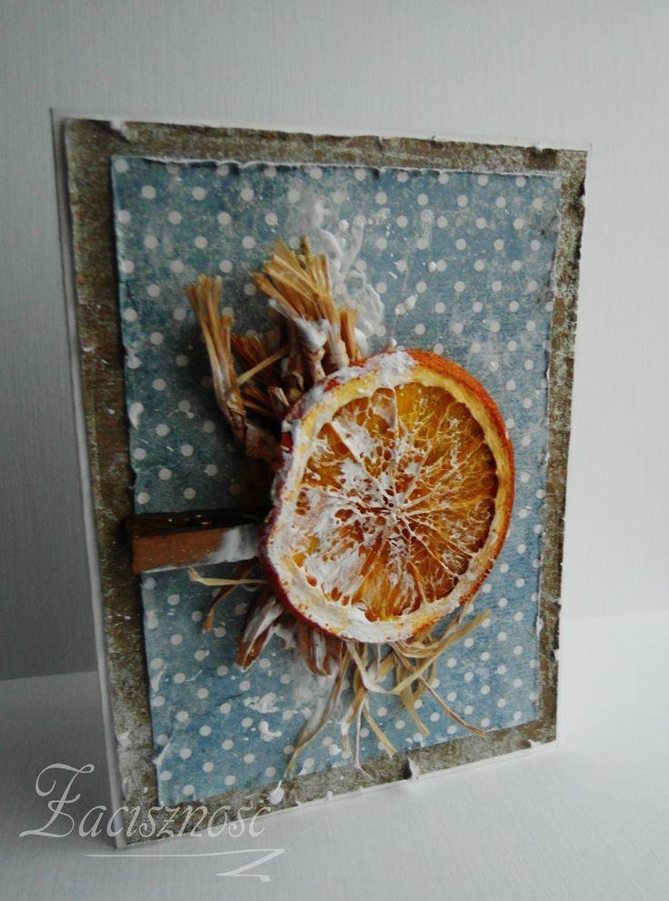 Świąteczna kartka z plasterkiem suszonej pomarańczy/ Christmas card with a slice of orange