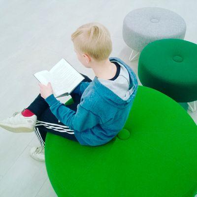 Miksi luen? TET-harjoittelussa kirjastolla ollut Elias kertoo lukemisestaan ja antaa lukuvinkkejä.