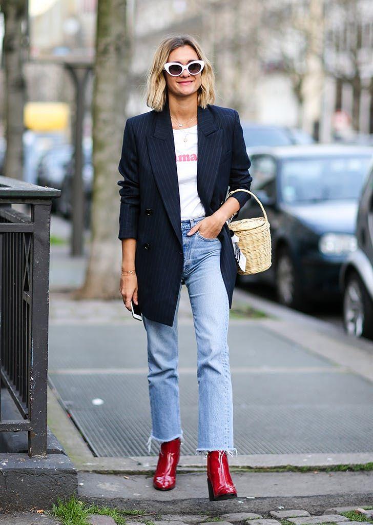 mujer vestida con jeans camiseta blazer Zapatos Rojos 3edc285c5e65