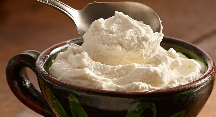 Bourbon Whipped Cream | McCormick Gourmet #mccormickthanksgiving