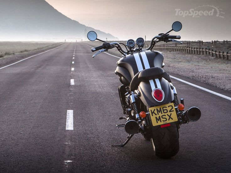 2015 Triumph Rocket III Roadster picture - doc615957