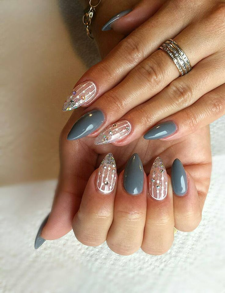 Popularne jesienią szare stylizacje wcale nie muszą być nudne. Przeciwnie!  SPN UV LaQ 672 Shadow SPN Gel Bianco Pasta Nails by Zuzia, Studio Nailspa, SPN Nails Team  #SPN #SPNnails #SPNlove #paznokcie #nails #inspiracje #inspirations #nailart #nailartdesign