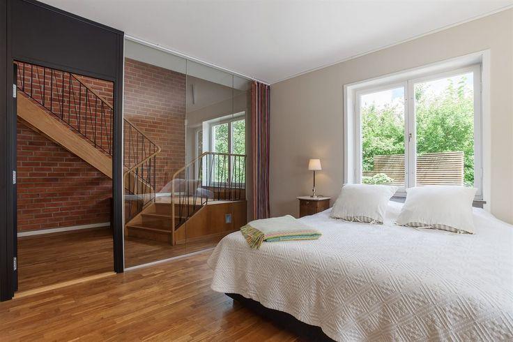 skapa ett xtra rum i ett allrum Masterbedroom/allrum