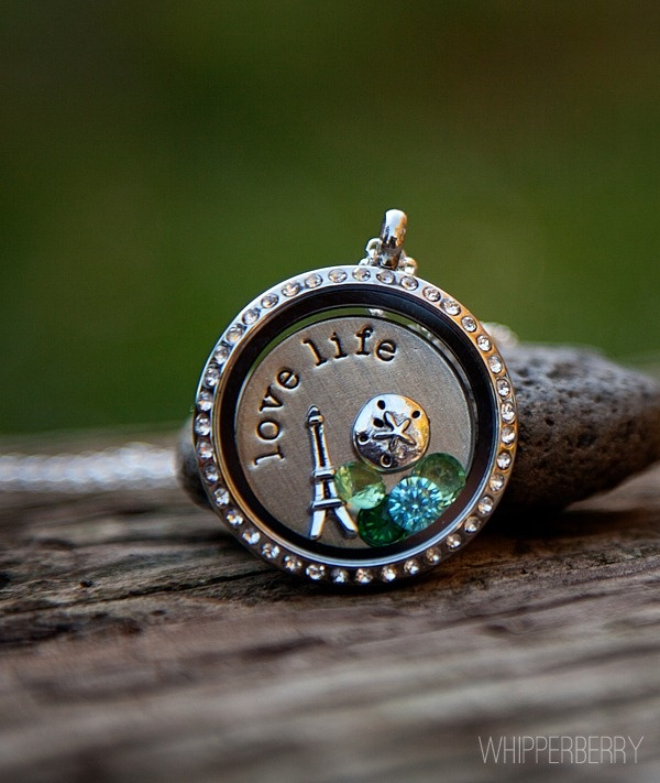 I'm hosting a party, who wants in? Oragami Owl - Create your story.  http://lconger.origamiowl.com/parties/tabithaliston35402/how-to-build.ashx