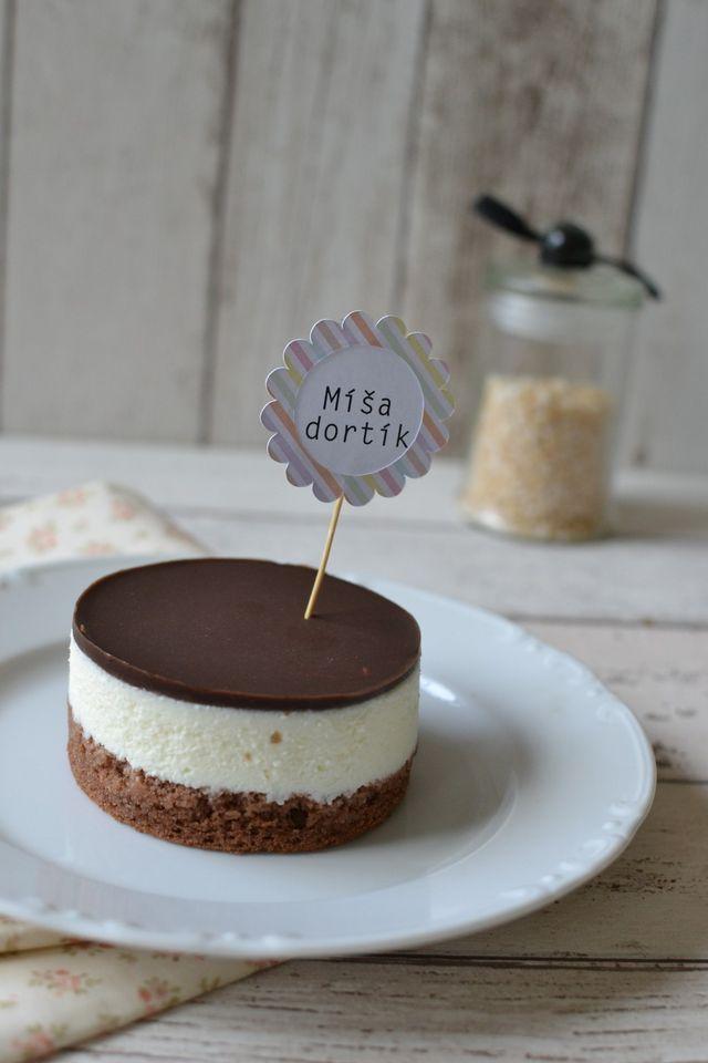 Nemůžu uvěřit tomu, že nejoblíbenější dezert naší rodiny jsem ještě nedala na blog! Nedávno mě kamarádka prosila o recept na Míša dezert. Ten úžasný, se kterým jsem vyhrála Prostřeno. A tak jí říkám,