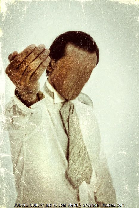 www.arcangel.com - faceless-man-calling-with-his-hand