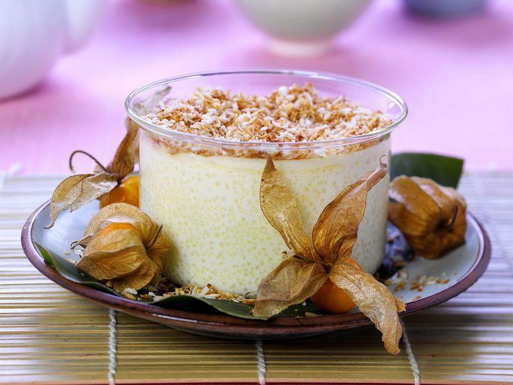 Leckeres Dessert für alle, die es gerne ein bisschen exotisch mögen. Kokos-Reispudding mit Physalis - smarter - Zeit: 15 Min. | eatsmarter.de