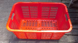 Selatan Jaya distributor barang plastik Surabaya: Keranjang industri krat plastik kode 1002 merk Rab...