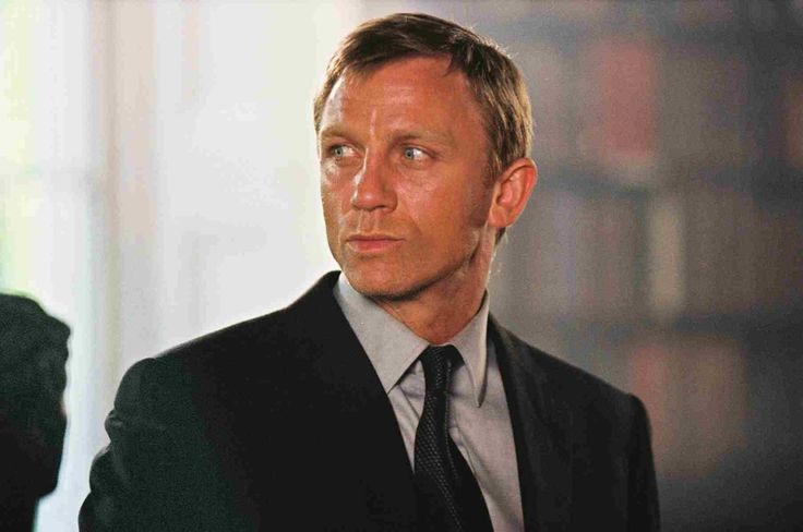 Daniel Craig photos, including production stills, premiere photos and other event photos, publicity photos, behind-the-scenes, and more.