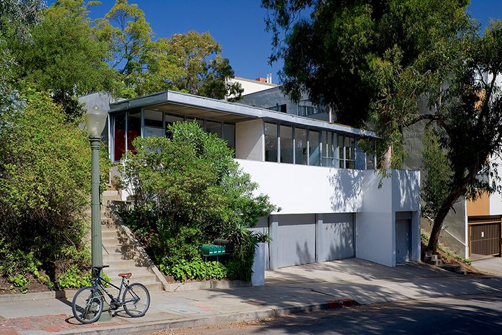 Richard Neutra's Strathmore Apartments in Westwood