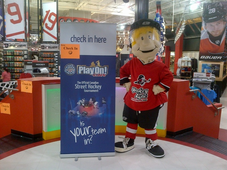 PlayOn! Check In is in progress at Pro Hockey Life CrossIronMills! http://www.playon.ca