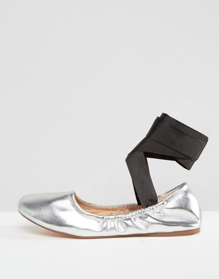 Pull&Bear Metallic Lace Up Ballet Pump - Silver