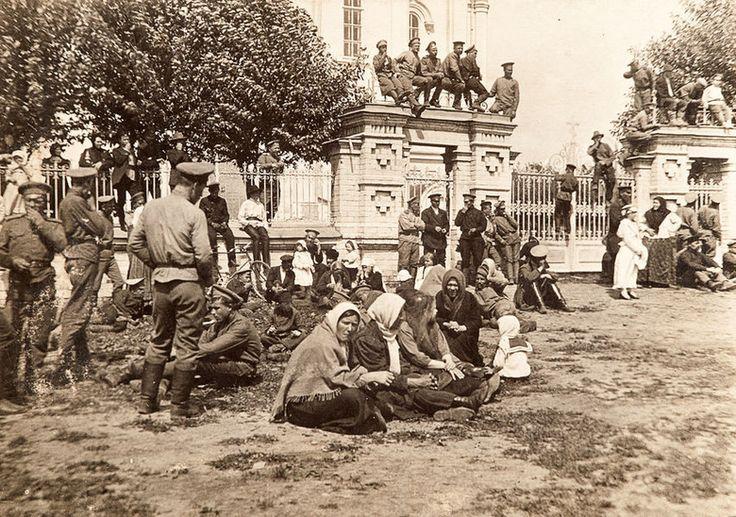 Май 1917 года: пожар, бунты военных и нашествие сусликов
