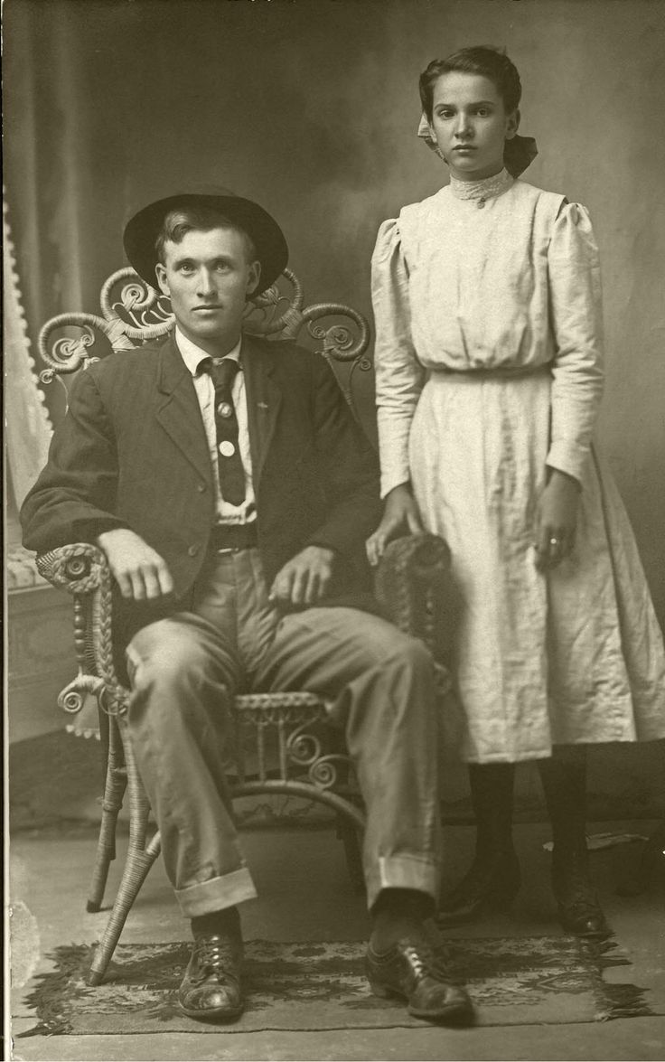Genealogy research Dating vintage photographs by clothing & hairstyles